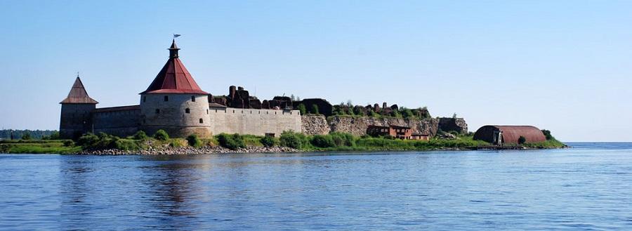 Экскурсия на паровозе: Крепость Орешек
