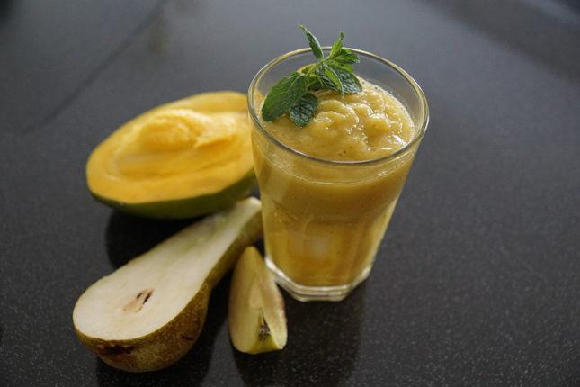Манго-грушевый смузи - рецепт приготовления