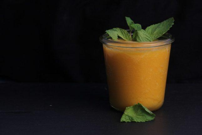 Яблочно-морковный смузи - рецепт приготовления