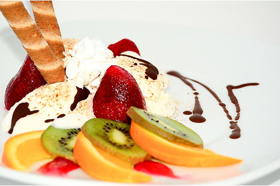 Вкусное домашнее ванильное мороженое