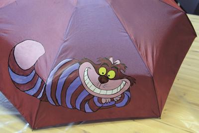 Роспись зонтов: Яркий аксессуар для дождливой погоды