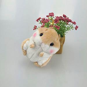 Купить брелок хомяк с цветами