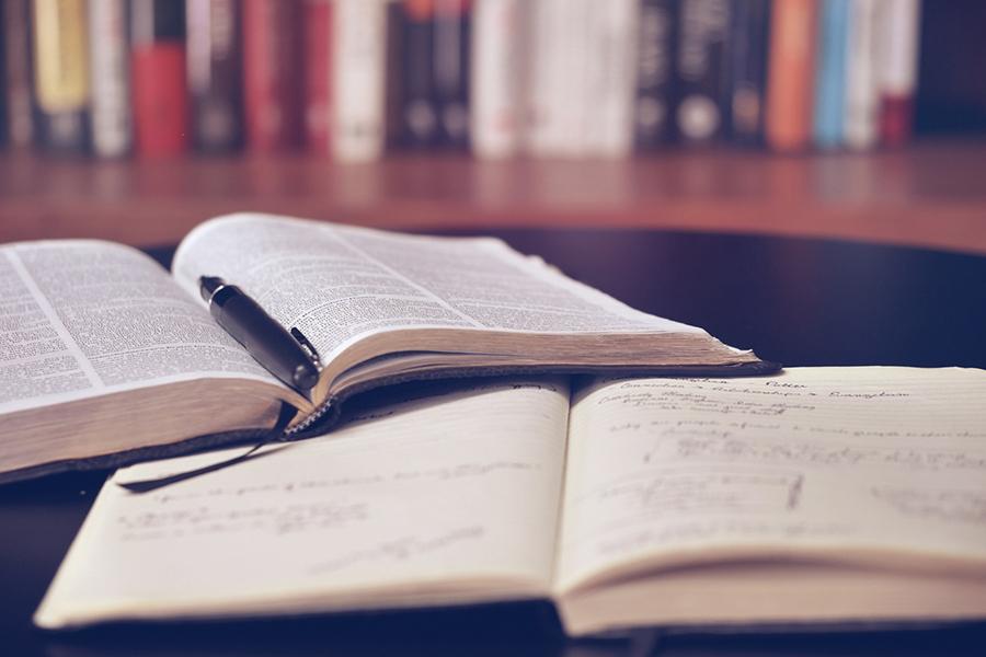 Пословицы и поговорки о языке